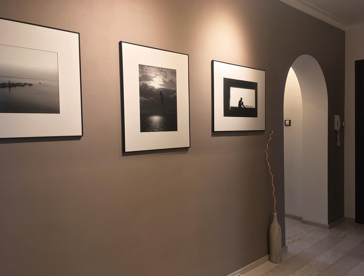 Kак да аранжираме картини – част IV – антре и коридор